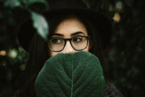 Signs-and-Symptoms-of-Hirsutism-FAQs-from-Women-Face